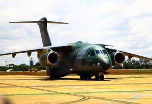 A apresentação da aeronave KC-390, feita pela Embraer, Foto: Jorge William/Agência O Globo/23-10-2018