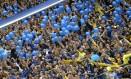 Torcida do Boca Juniors. Eduardo Bolsonaro criticou até o cheiro do estádio argentino Foto: Alejandro Pagni / AFP