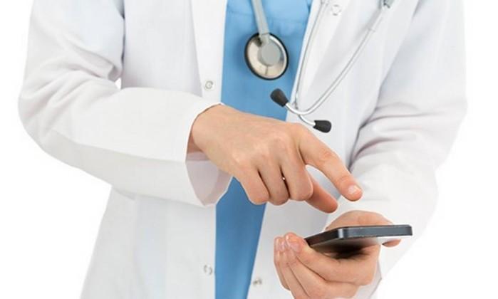 No Brasil, 87% dos médicos já responderam dúvida por aplicativo de mensagem Foto: thinkstockphotos