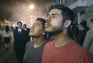 José (Enrique Salanic) e Luis (Manolo Herrera): um amor que enfrenta fortes resistências sociais e religiosas Foto: Divulgação