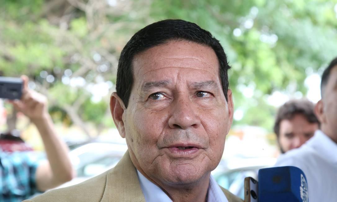 Vice-presidente eleito, general Hamilton Mourão diz que Bolsonaro pensa em alguém da Marinha para o ministério da Defesa Foto: Ailton de Freitas / Ailton Freitas