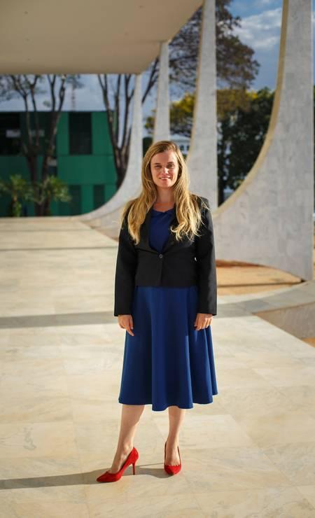Valeria Cavalcanti também mantém o vestido no comprimento além dos joelhos. E o salto alto Foto: Daniel Marenco / Agência O Globo