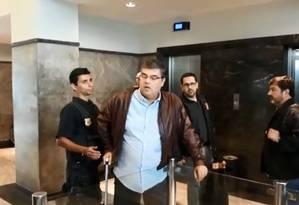André Corrêa na chegada à sede da PF Foto: Juliana Castro / O Globo