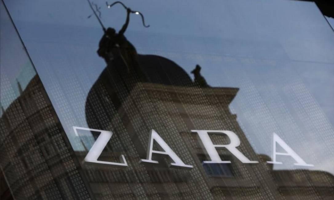b755a0937e28 Logo da Zara, principal marca da Inditex, em Madri, Espanha Foto: Reuters