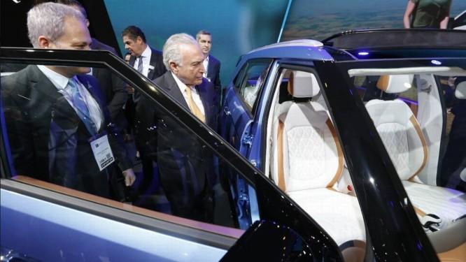 O presidente Michel Temer visita o Salão do Automóvel, em São Paulo Foto: Divulgação