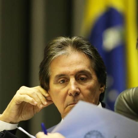 O presidente do Senado, Eunício Oliveira (MDB-CE) durante sessão no Congresso Foto: Ailton de Freitas / Agência O Globo