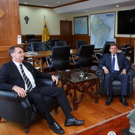 O presidente eleito Jair Bolsonaro se reúne com o ministro da Defesa, Joaquim Silva e Luna Foto: Alexandre Manfrim/Ministério da Defesa/06-11-2018