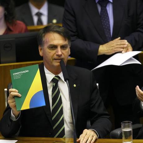 O presidente eleito Jair Bolsonaro ao lado do presidente do STF, Dias Toffoli, em sessão do Congresso Foto: Jorge William/Agência O Globo/06-11-2018