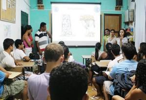 O Pré-Vestibular Comunitário da Rocinha: os professores voluntários, na maior parte, são moradores da comunidade e ex-alunos Foto: Divulgação