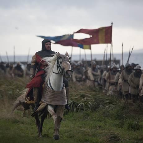 Chris Pine vive o monarca escocês em 'Legítimo rei' Foto: Divulgação/Netflix/David Eustace