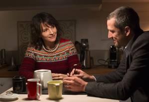 'Vidas duplas': Juliette Binoche e Guillaume Canet em cena Foto: Divulgação