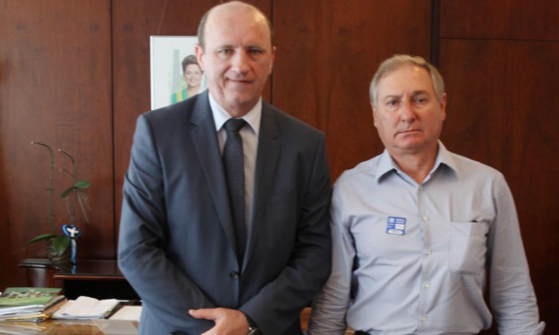 O então ministro da Agricultura Neri Gueller e o homem da mala da JBS, Florisvaldo: o registro do encontro no dia da entrega da propina Foto: Divulgação