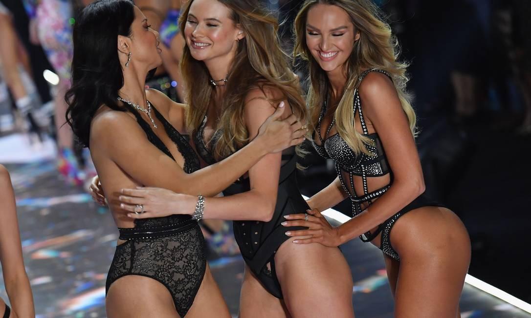 Adriana Lima, Behati Prinsloo e Candice Swanepoel ANGELA WEISS / AFP