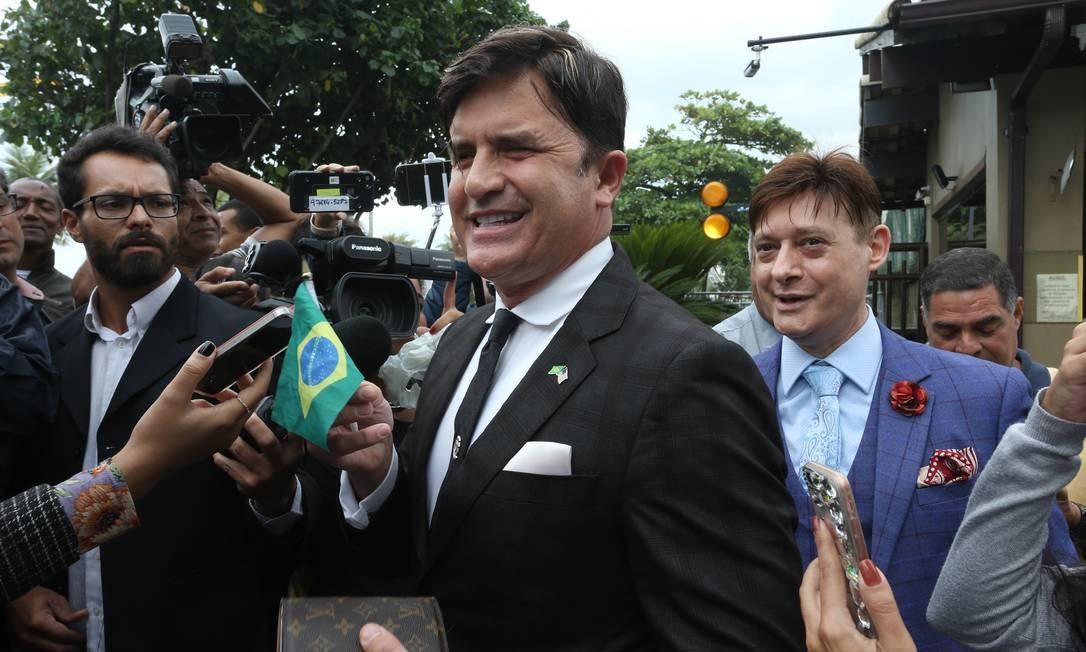 Dr. Rey foi visitar Jair Bolsonaro em sua casa para conversar e tentar uma vaga ao Ministério da Saúde Foto: Pedro Teixeira / Agência O Globo