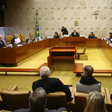 O STF, onde tramitam os casos envolvendo autoridades com foro privilegiado, vem concentrando cada vez menos esses processos Foto: Ailton de Freitas / Agência O Globo