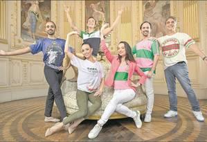 Bailarinos e coreógrafos do Municipal Foto: Ana Branco