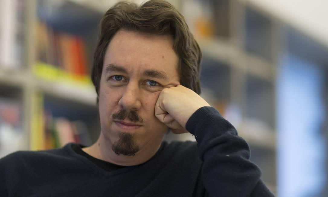 O escrito argentino Pedro Mairal Foto: Edilson Dantas / Agência O Globo