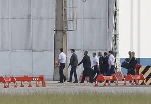 Presidente eleito Jair Bolsonaro embarca na Base Aérea do Galeão para Brasilia Foto: Pablo Jacob / O Globo
