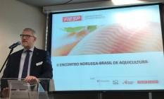 O embaixador da Noruega no Brasil, Nils Martin Gunneng, durante palestra em São Paulo Foto: Reprodução/Twitter