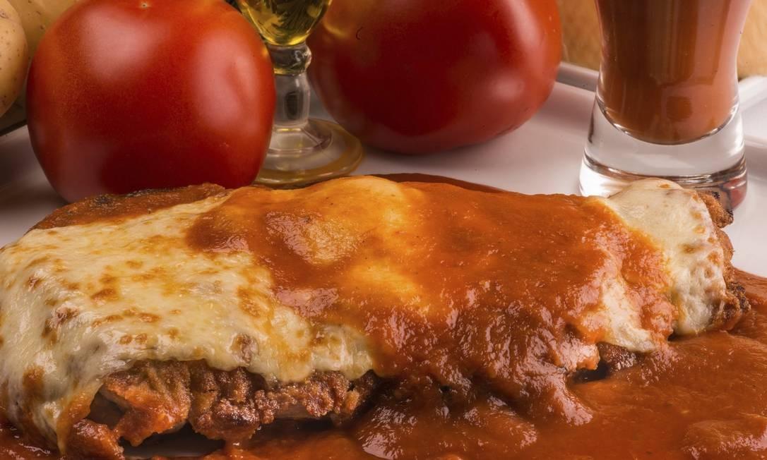 Gruta Di Capri. Parmiggiana com arroz e batatas: R$ 58 (individual) Foto: Bruno Rodrigues/Divulgação