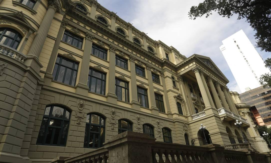 Fachado da Biblioteca Nacional, que teve fachada restaurada Foto: Gabriel de Paiva / Agência O Globo