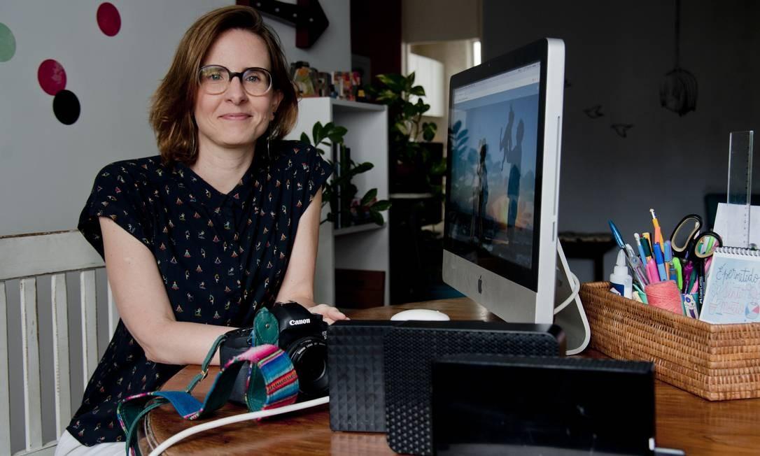 Prevenir é melhor. 'Nunca me prejudiquei no trabalho porque faço backups de forma neurótica', diz a fotógrafa Amanda Nunes Foto: Adriana Lorete