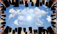 Comodidade. O armazenamento nuvem permite também o monitoramento das informações de qualquer lugar