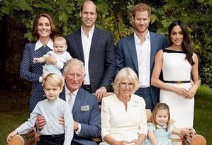 Família real em torno do príncipe Charles, que completa 70 anos Foto: Reprodução