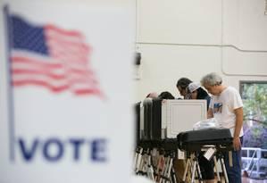 Eleitores votam em Atlanta, na Geórgia, local de apertada disputa pelo governo Foto: Jessica McGowan / AFP