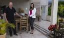 João Mendes e a arquiteta Ane Calixto deram entrada na Mais Valerá para obras na cobertura Foto: Alexandre Cassiano / Agência O Globo