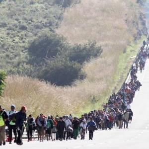 Migrantes de países pobres da América Central em direção aos Estados Unidos Foto: ULISES RUIZ / AFP