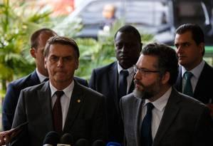 O presidente eleito Jair Bolsonaro na coletiva no prédio do CCBB Foto: Daniel Marenco / Agência O Globo
