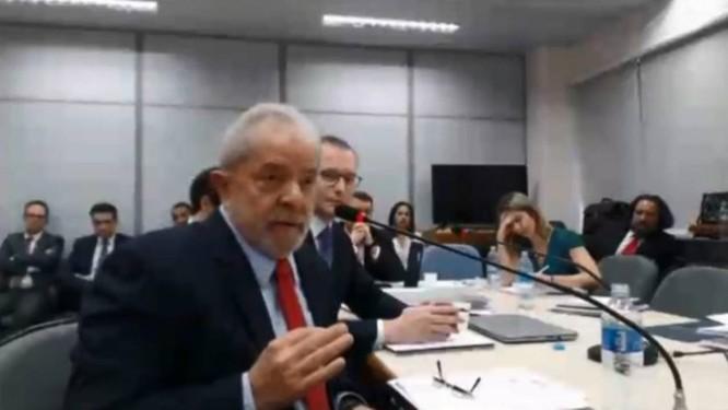Lula durante depoimento à juíza Gabriela Hardt, que substitui o juiz Sergio Moro na 13ª Vara Federal de Curitiba Foto: Reprodução