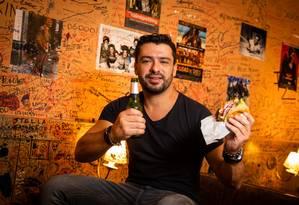 Diego Gallardo, um dos sócios do Burguer Joint Foto: Bárbara Lopes