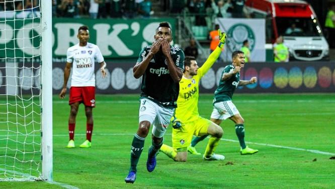 Borja comemora o primeiro gol do Palmeiras sobre o Fluminense Foto   Marcello Fim Ofotográfico 80303f55a3ab5