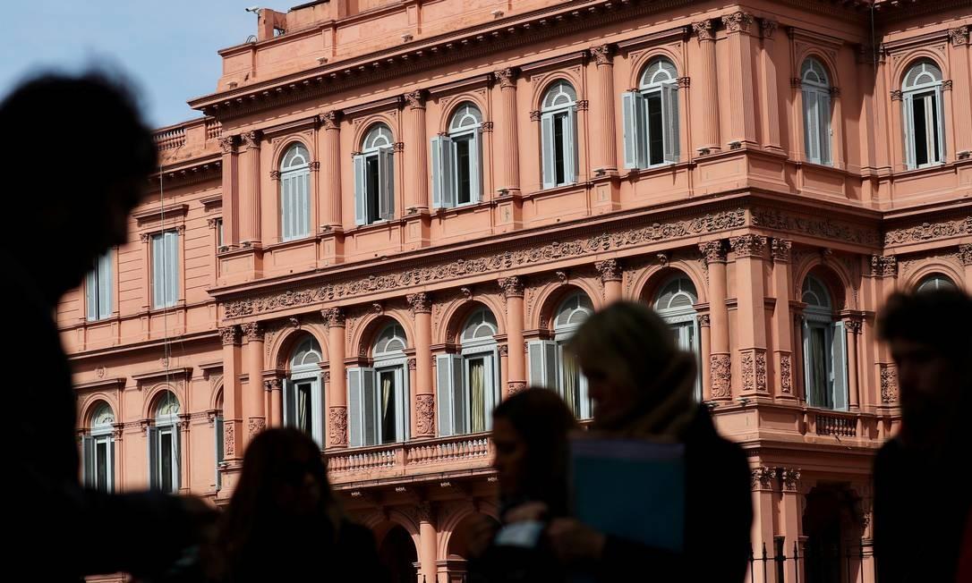 Casa Rosada, sede do governo argentino, é um dos pontos turísticos de Buenos Aires Foto: MARCOS BRINDICCI / Reuters