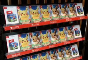 Os games Let's Go Pikachu e Let's Go Eevee, lançados nesta sexta-feira em todo mundo Foto: Bloomberg