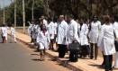Médicos cubanos deixaram o programa Mais Médicos e estão sendo substituídos Foto: Jorge William/Agência O Globo/26-08-2013