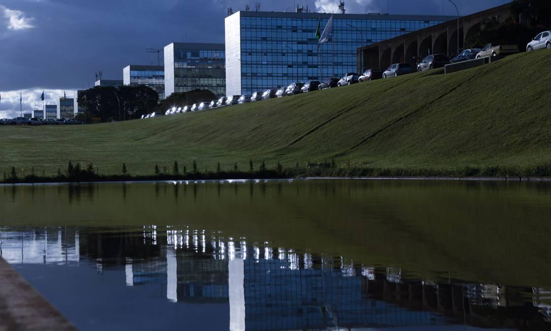 A Esplanada dos Ministérios, em Brasília, concentra boa parte dos cargos do Executivo Foto: Michel Filho/27-3-2018 / Agência O Globo