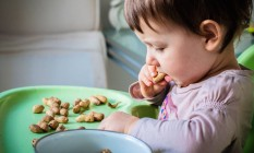 Alergia a amendoim: estudo afirma que é possível desenvolver tolerância à proteína, de forma a evitar reações alérgicas violentas Foto: Infoglobo / Infolgobo