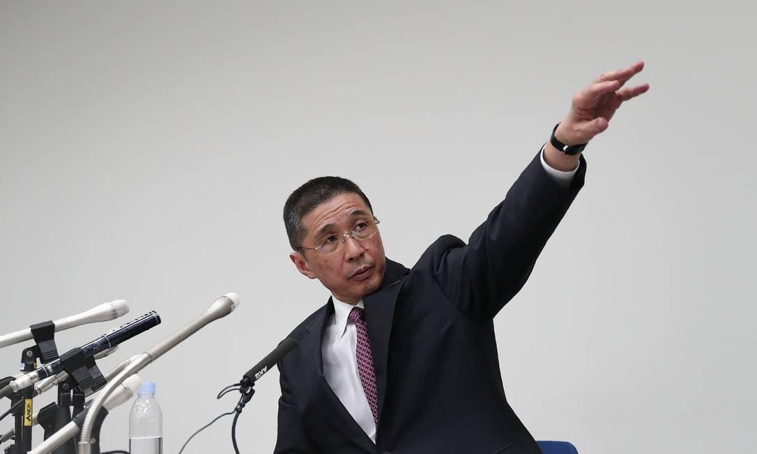 O CEO da Nissan Motors, Hiroto Saikawa, gesticula durante coletiva à imprensa na qual confirmou que demissão de Ghosn da empresa será pedida oficialmente na quinta-feira Foto: BEHROUZ MEHRI / AFP