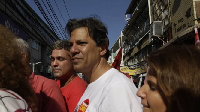 Fernando Haddad em ato da campanha presidencial Foto: Gabriel de Paiva / Agência O Globo