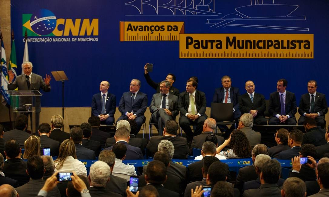 Michel Temer participa do encontro de prefeitos na Confederacão Nacional de Municipios, em Brasilia Foto: Daniel Marenco / Agência O Globo