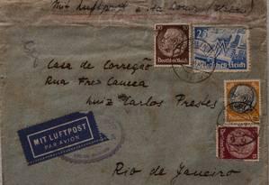 Uma das cartas de Olga Benário para Prestes encontradas no lixo Foto: Jose Casado/ Agência O Globo