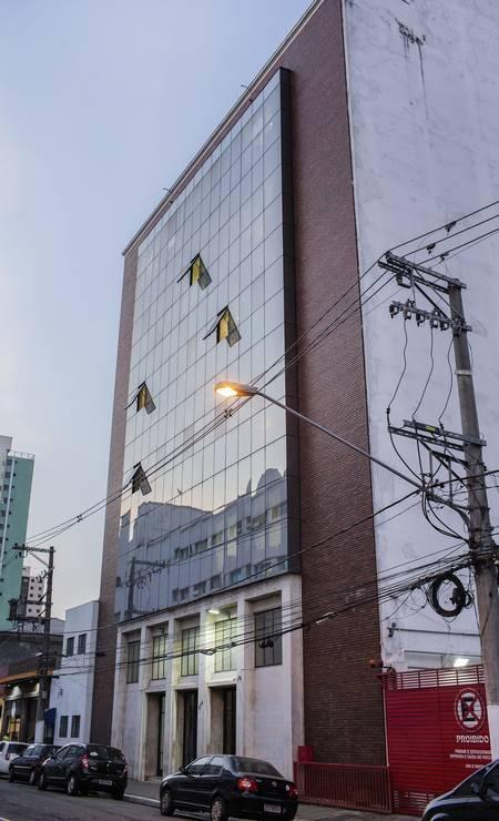A sede da CUT no Brás. Mais um prédio na mão de uma igreja evangélica Foto: Eduardo Anizelli / Folhapress