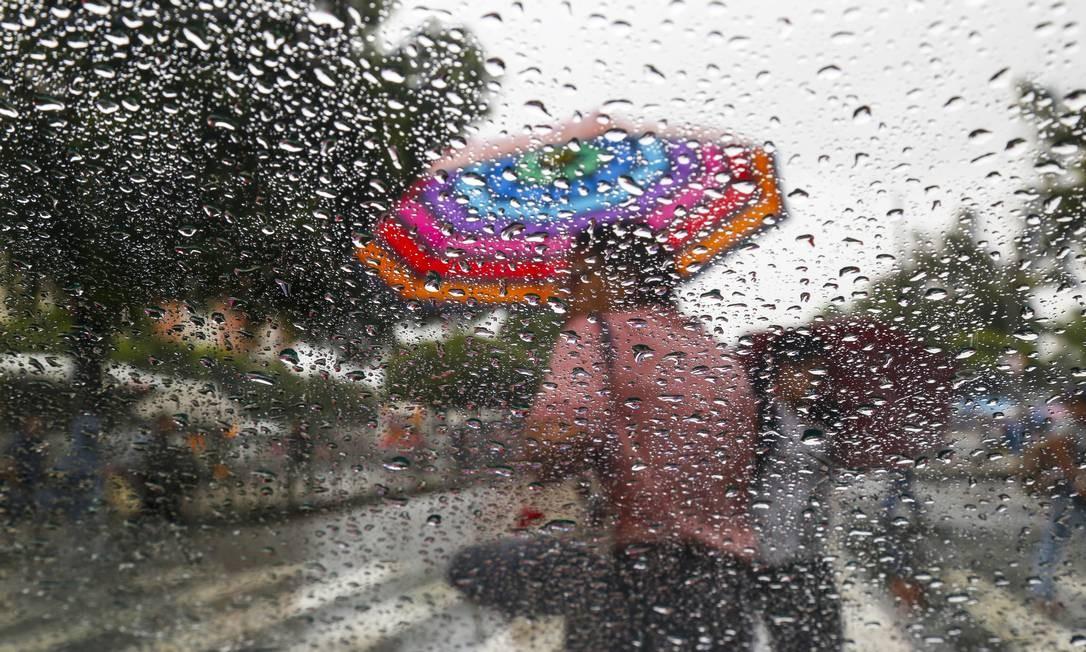 Feriado será de chuva na cidade do Rio Foto: Marcos Ramos / Agência O Globo
