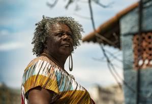 A escritora mineira Conceição Evaristo, no Morro da Conceição Foto: Ana Branco / Agência O Globo