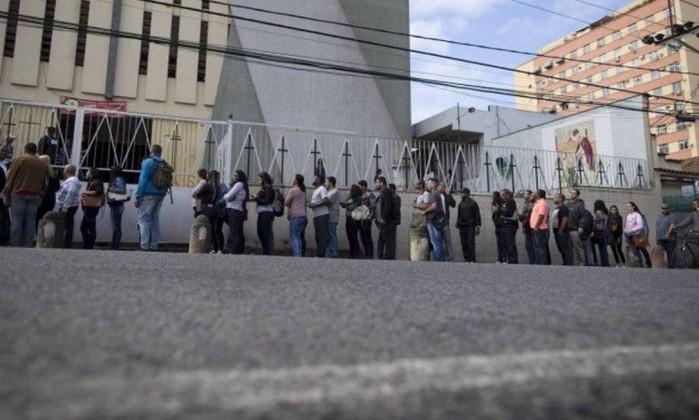 Fila de emprego Foto: Márcia Foletto / Agência O Globo