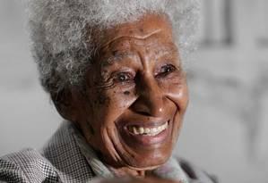 Formada em Direito aos 71 anos, a brizolista Maria Soares diz que não deixará o Brasil, apesar dos conselhos da neta Foto: Marcio Alves / Agência O Globo