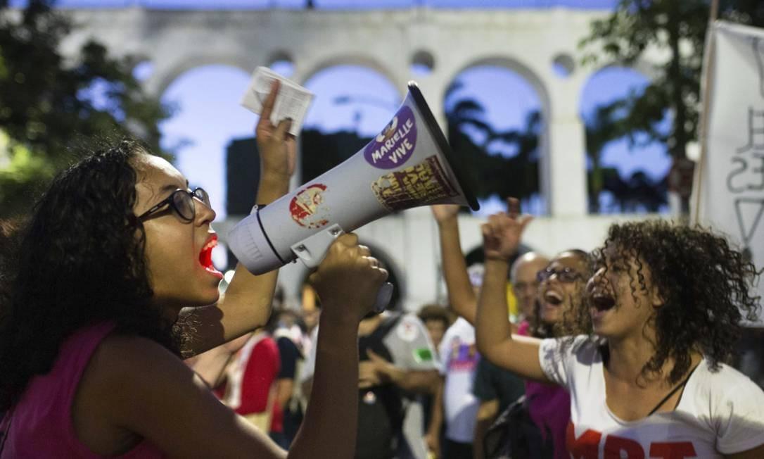 Manifestantes em protesto contra o então candidato Jair Bolsonaro (PSL) Foto: FERNANDO SOUZA / Agência O Globo
